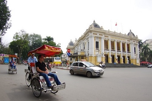 Nowadays, the cyclo is only traditional cultural of Hanoi and essentially for tourists