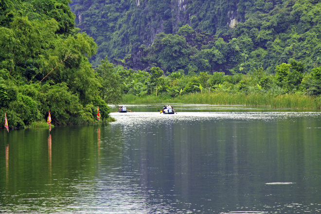 Trang An has limestone mountains with geological age about 250 million years
