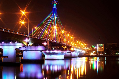 A bridge in Da Nang at night