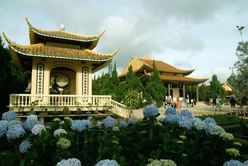 Truc Lam Garden