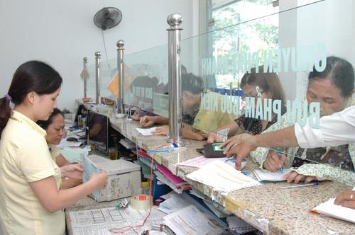 US Embassy collect visa fee via post office in Vietnam